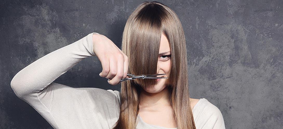 Модная прямая челка или длинные прямые волосы