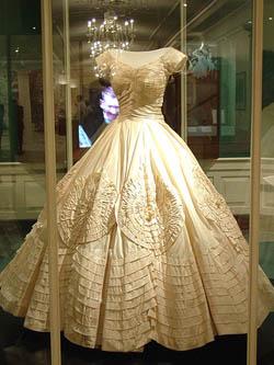 54f5f44300a Свадебное платье Джеки Кеннеди (сентябрь 1953 года)